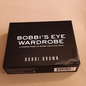 Bobbi' Eye Wardrobe